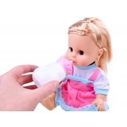 Hovoriaca bábika, smeje sa a ciká