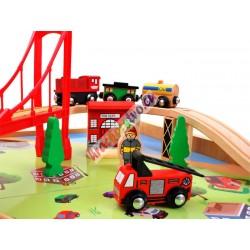 Drevený stôl svláčikom, dráhou abohatým príslušenstvom + krabica na hračky