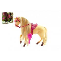 Kôň s hrivou česací