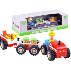 Drevený traktor s dvoma vlečkami