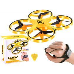Dron ovládaný rukou