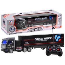 Kamión s návesom na diaľkové ovládanie