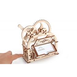 UGEARS – pohyblivé drevené 3D puzzle, Etui – mechanická krabička